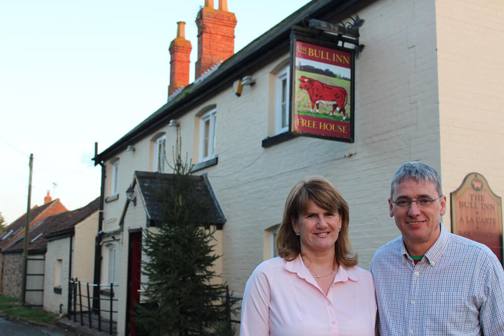 John-and-Louise-Smith-hosts-at-The-Bull-in-Rippingale2