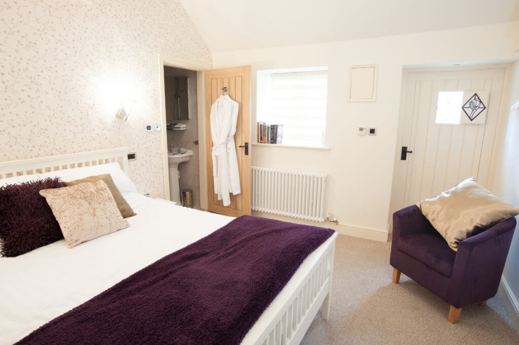 Bluebell Inn bedroom