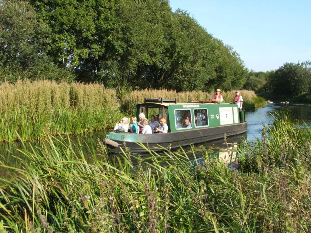Grantham Canal - The Three Shires Tripboat