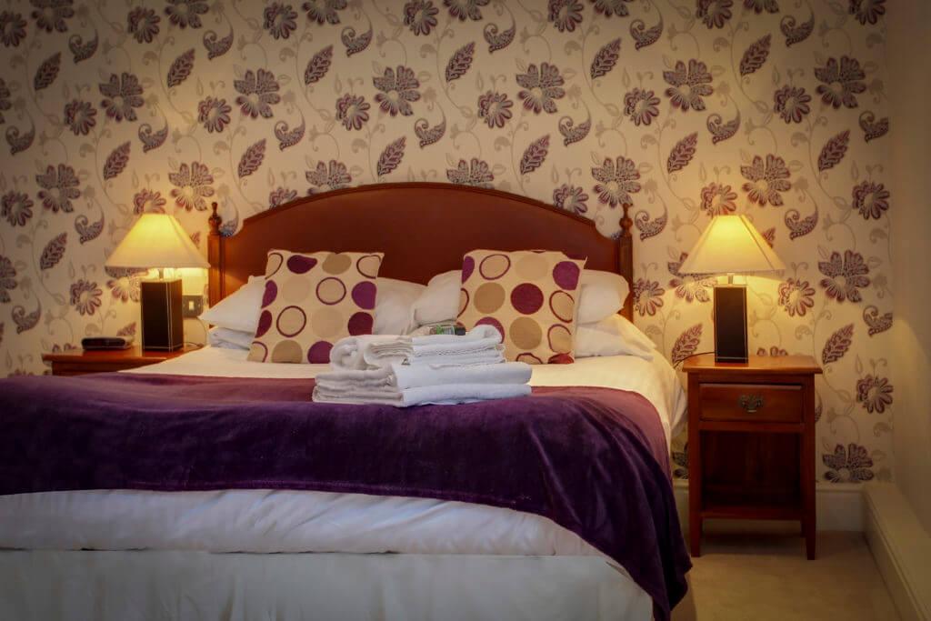 Angel & Royal bedroom