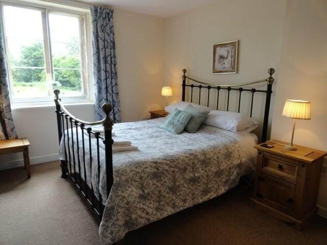 Fulbeck Gardens Cottage bedroom