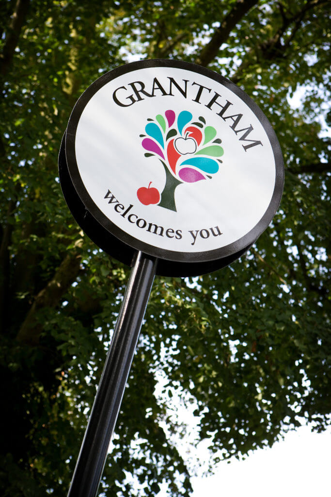 Grantham welcome sign